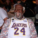 NBA/致敬布萊恩特 綠衫軍傳奇羅素穿湖人24號球衣