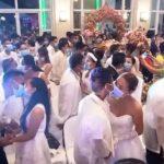 不畏新冠肺炎疫情!菲律賓220對新人戴口罩親吻