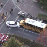 馬州蒙郡校車與轎車正面相撞 無人受傷