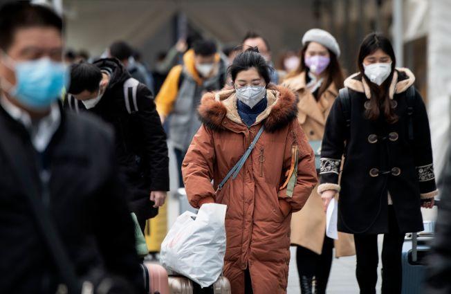 新冠肺炎肆虐,讓不少人想起2003年的SARS時期。(Getty Images)