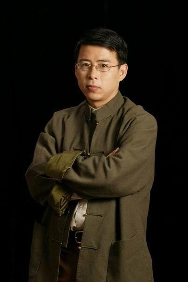 「阿丘」原名邱孟煌,曾任中央電視台綜合頻道主持人。(取材自央視網)