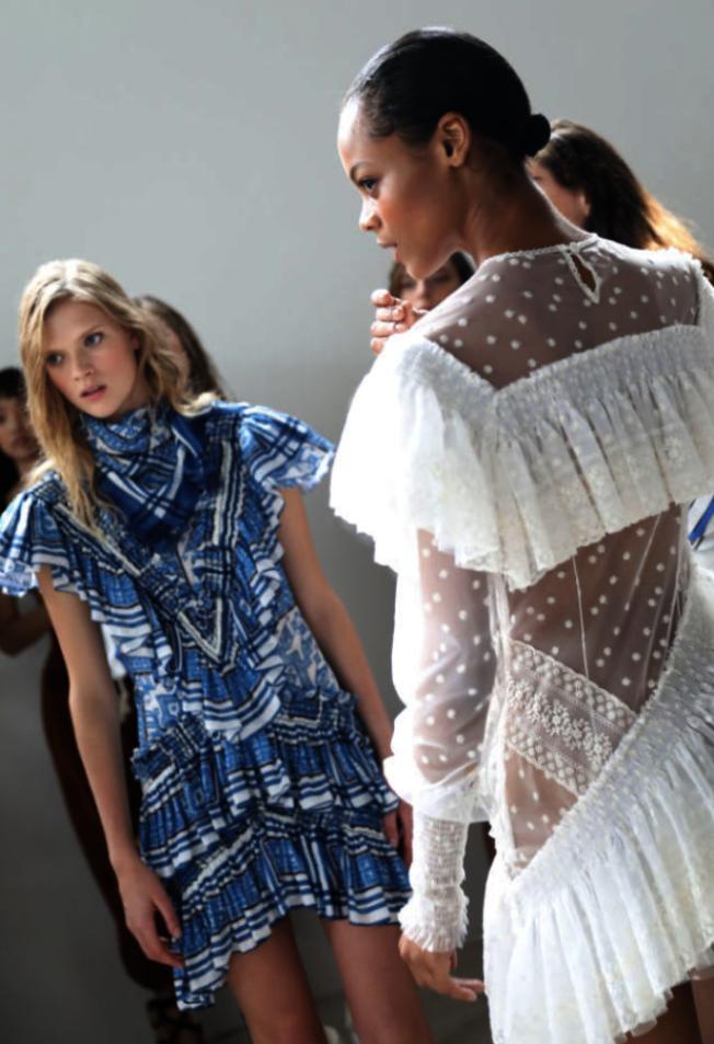 快時尚快速製造大量低價服飾,很多平價服飾穿幾次就可丟棄。(本報檔案照)