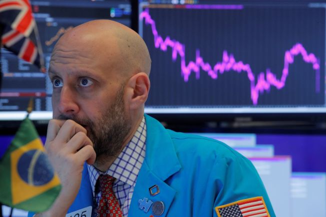 新冠肺炎疫情蔓延加深經濟憂慮,擊沉美國股市。路透