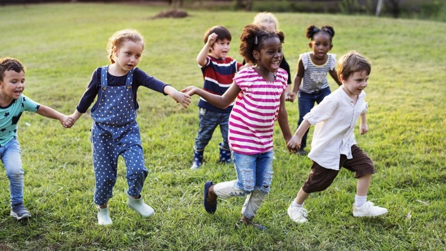 每天保證一小時的體育運動可防兒童肥胖。(市衛生局提供)