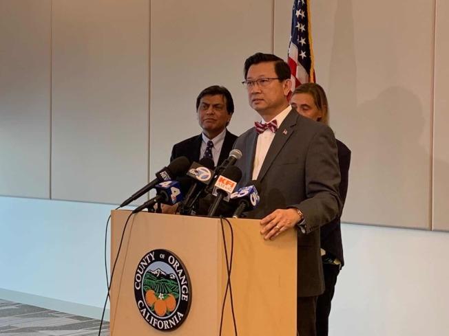 憂新冠肺炎在社區傳播,橙縣宣佈進入緊急狀態。圖為橙縣越裔縣政委員Andrew Do。(記者謝雨珊/攝影)
