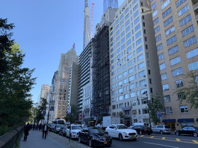 曼哈頓第五大道附近豪宅眾多,地鐵站周邊房價更是昂貴。(本報檔案照)