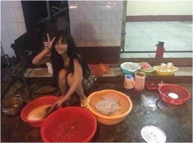 Nguyễn Yến當年以這張洗碗照意外爆紅。取材自臉書