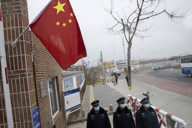 疫情下,一些外國人仍選擇留在中國。(美聯社)