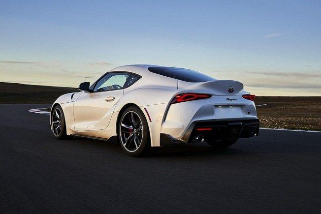 3.0L動力輸出提升14%自335hp增至382hp,0-96km/h加速只要3.9秒。(Toyota)