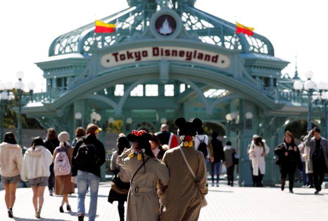 為預防肺炎疫情擴散,東京迪士尼樂園及迪士尼海洋2月29日至3月15日閉園。(路透)