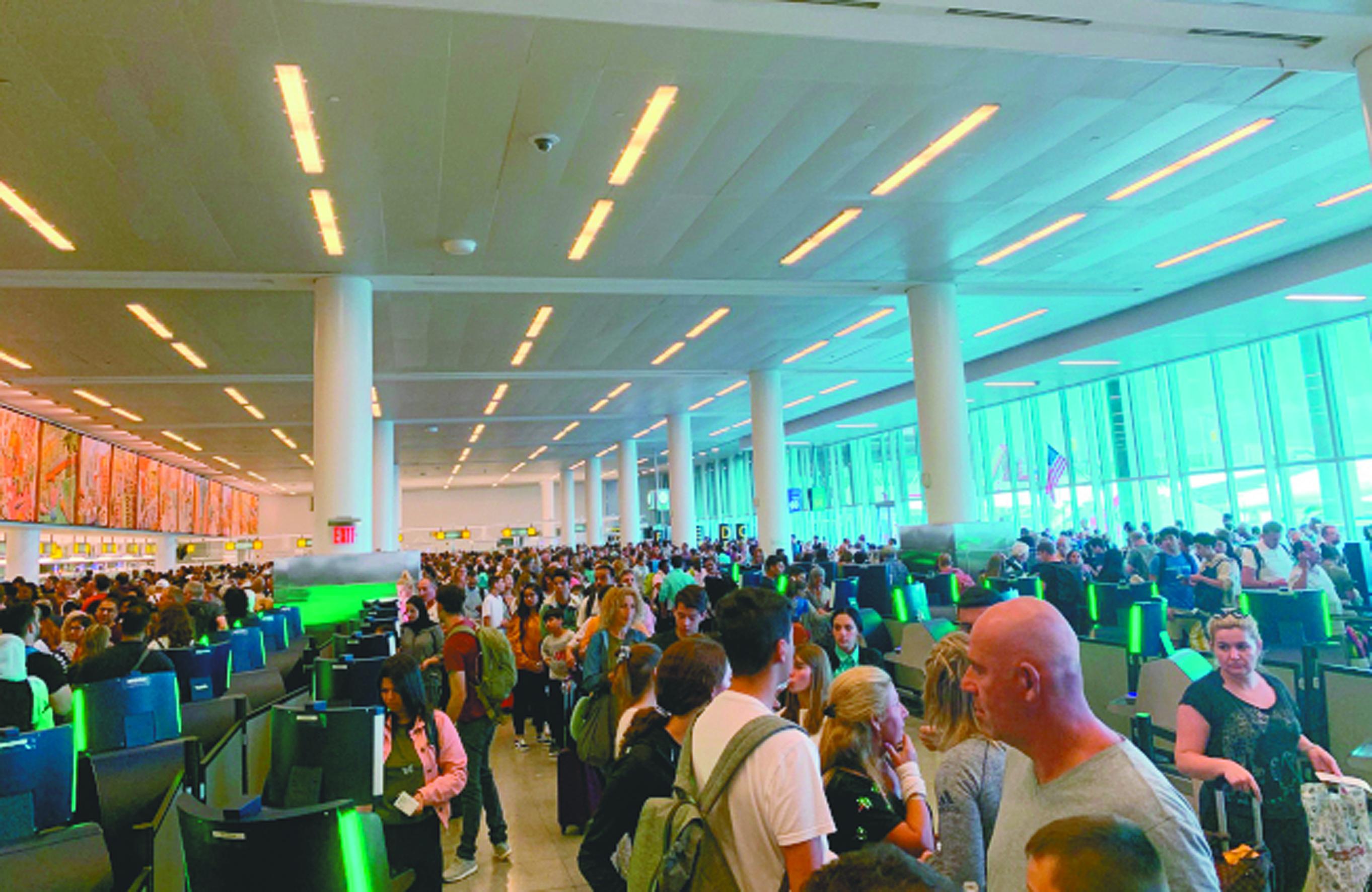 國土安全部禁止紐約居民參加被信任的旅行者計畫,意味著近20萬紐約州居民不能在美墨與美加邊境和機場通關時享有快速通關待遇。(美聯社)