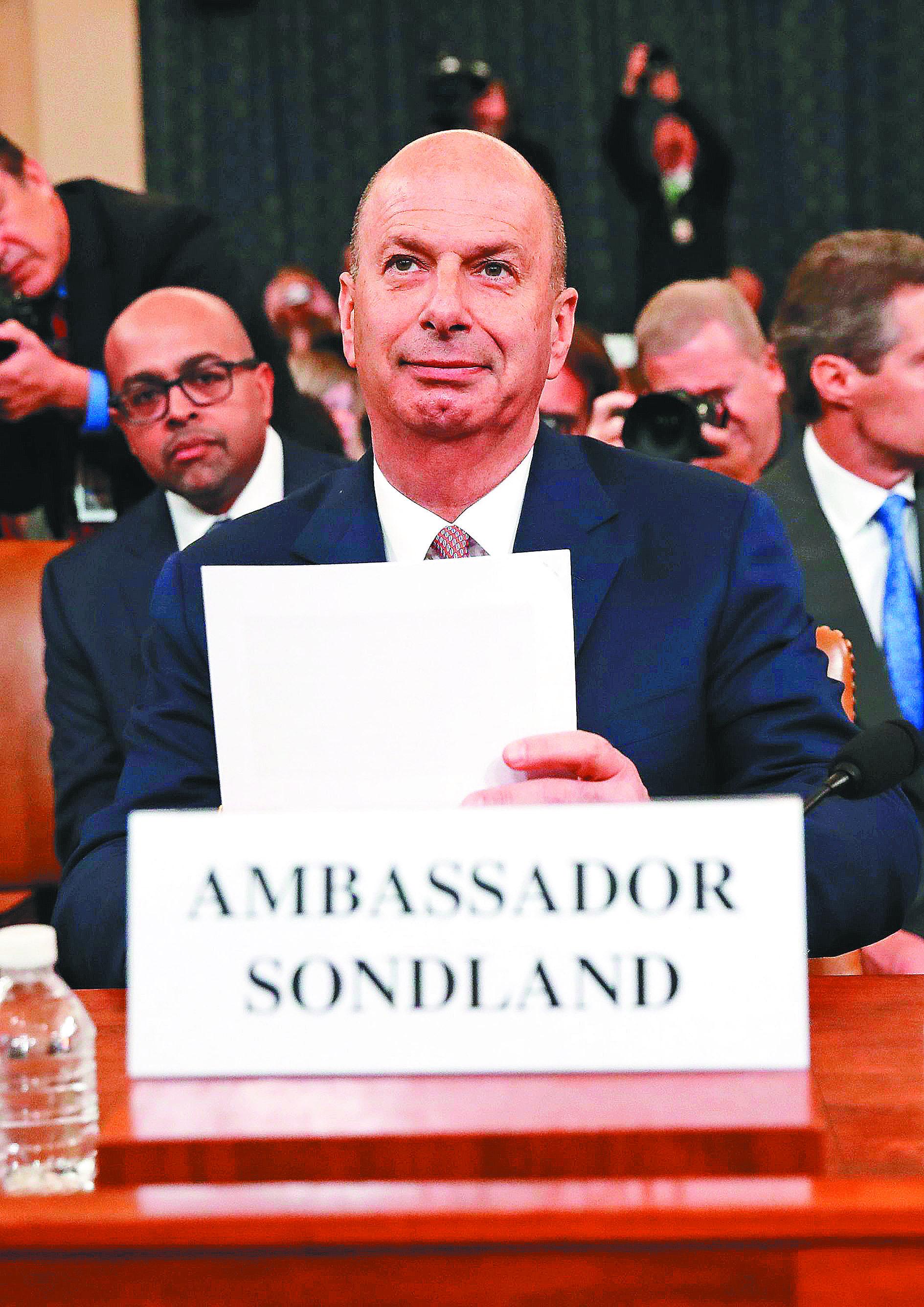 普彈劾案獲判無罪後,曾前往國會作證的美國駐歐盟大使桑德蘭也遭開除。(Getty Images)