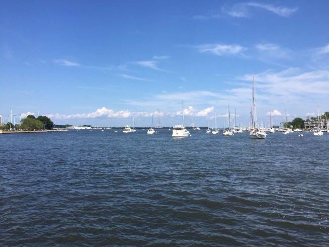 安納波利斯小鎮的海濱風景。