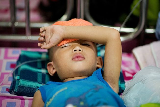 隨時隨地都能倒頭就睡,代表睡眠嚴重不足。(Getty Images)