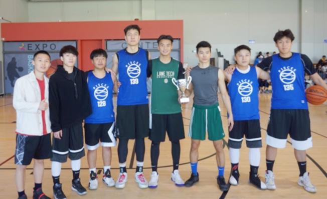 加州州立大學北嶺分校中國留學生隊成員。(全美中華青年聯合會提供)