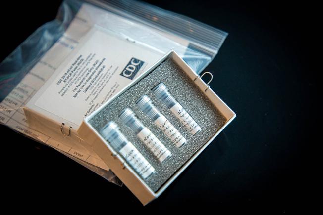 CDC提供的新冠病毒測試劑已開始在全美各州分發使用。(美聯社)