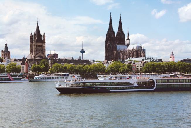 德國科隆(萊茵河)。