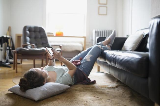獨居已成全球風潮,溫馨舒適的家是獨居族共同的追求。(Getty)