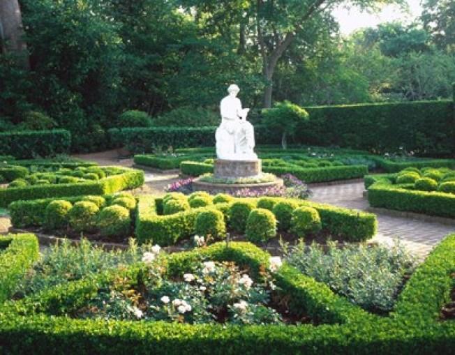 花園博物館。(Bayou Bend Collection and Gardens)