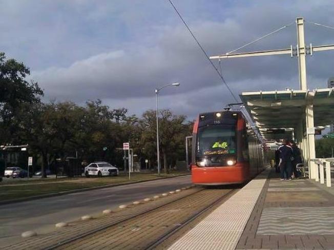 休士頓都會捷運局(METRORail)有三條輕軌路線。(市捷運局網頁)