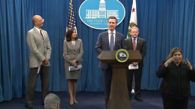 州長紐森4日宣布,加州進入疫情緊急狀態。(Getty Images)
