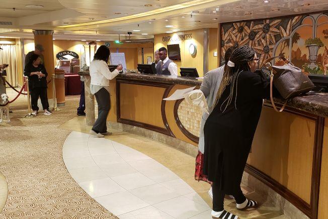 「至尊公主號」郵輪因為船上出現確診病例,舊金山港拒絕該輪泊靠。圖為至尊公主號的船艙。(Getty Images)