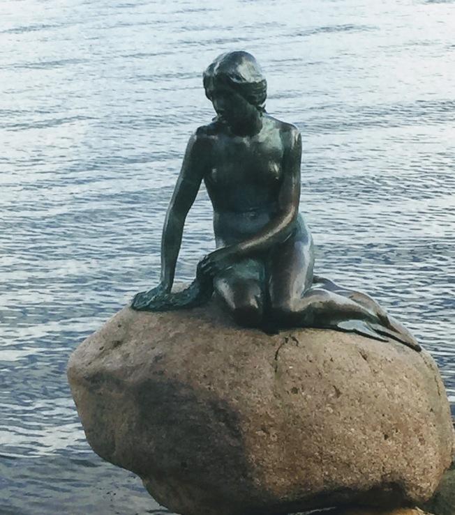 丹麥海濱的小美人魚。(圖:作者提供)