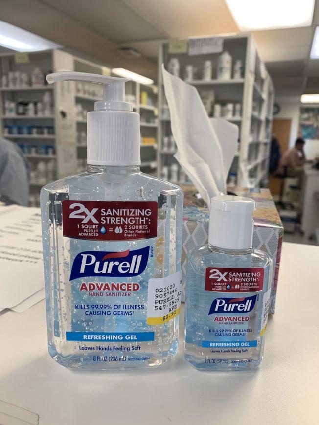 幾元的Purell乾洗手液被標「天價」出售。(記者張晨╱攝影)