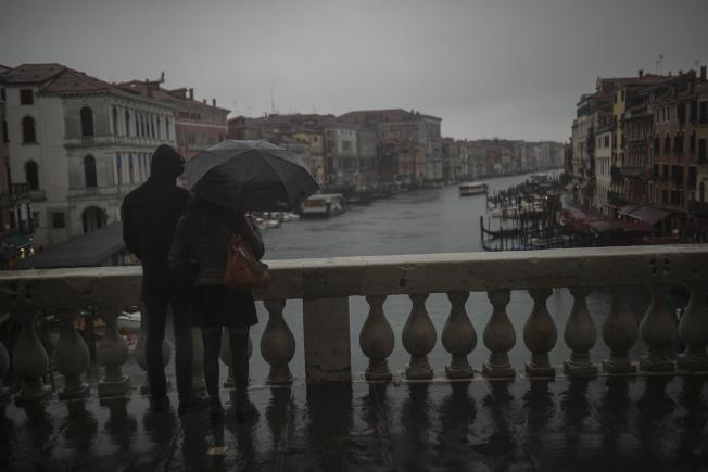 義大利封鎖的區域包括北部旅遊業重鎮威尼斯,此舉料想會打擊義大利封鎖期間的經濟。(美聯社)
