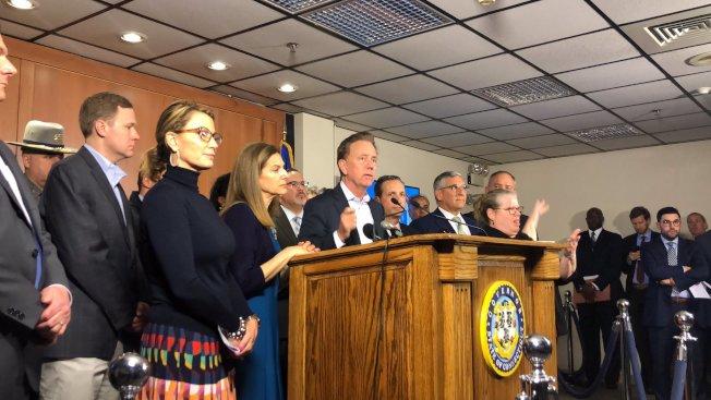 拉蒙特10日宣布康州進入緊急狀態。(取自拉蒙特推特)