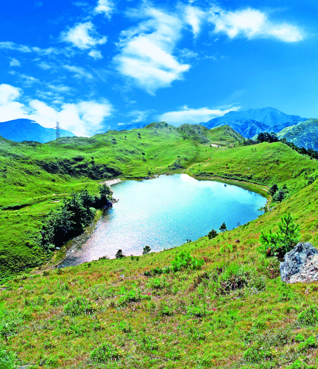 七彩湖位於海拔2980公尺高的山區,為台灣第二深的高山湖泊。 (圖:台電提供)