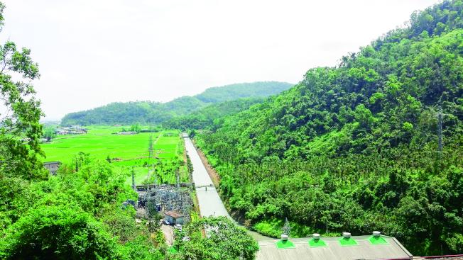 從蘭陽發電廠至高點俯瞰安農溪流水潺潺的美景。 (圖:台電提供)