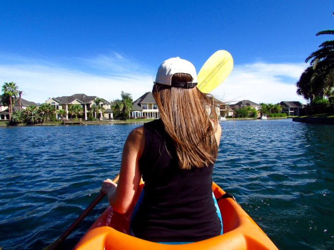 享受划船樂園。(市府臉書)