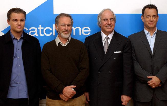電影《神鬼交鋒》便是描述阿巴格納爾(右二)的真人真事。 (Getty Images)