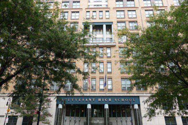 纽约市特殊高中放榜 亚裔仍过半 史岱文森录取10非裔
