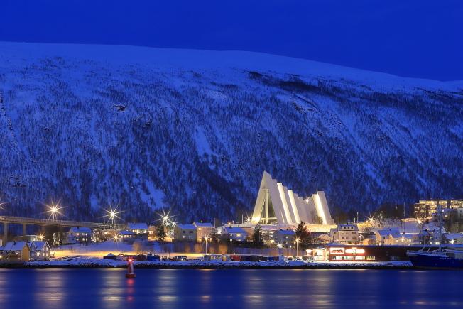 夜色中的北極大教堂,更顯優美無比。(記者陳睿中/攝影)