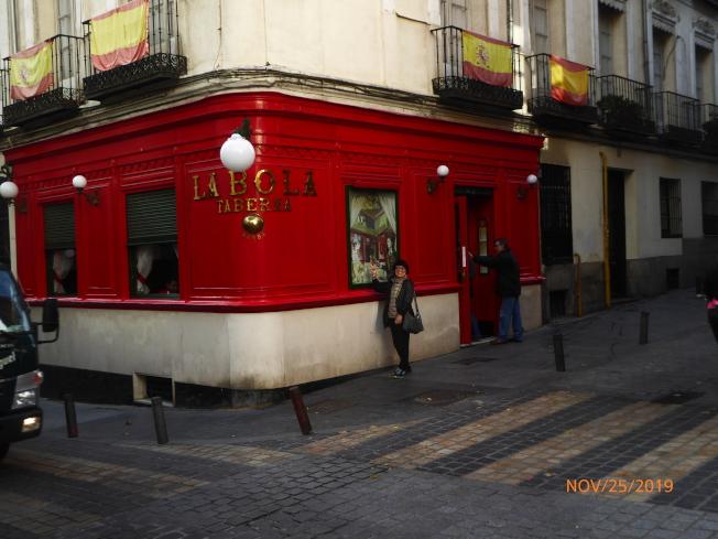 1870年開店推出「陶罐燴湯」的著名餐館「LA BOLA」。(圖:作者提供)