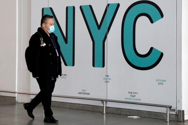 紐約市新冠肺炎疫情連日升高。(路透)