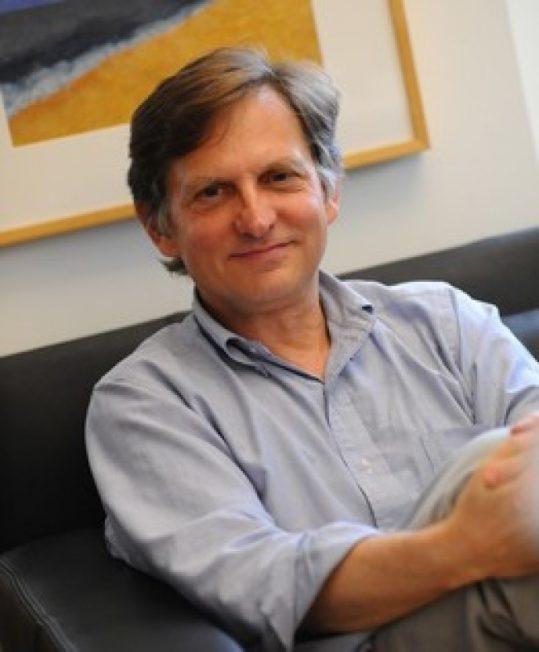 3次大疫均亲临前线 哥大教授利普金:新冠疫苗年内问世