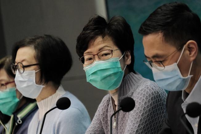 香港檢疫鬧烏龍,引發社區傳播病毒憂慮。圖為香港特首林鄭月娥。 (中通社)