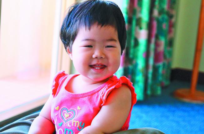 孩子開始長牙齒就要開始刷牙,保持良好飲食。(本報資料照片)