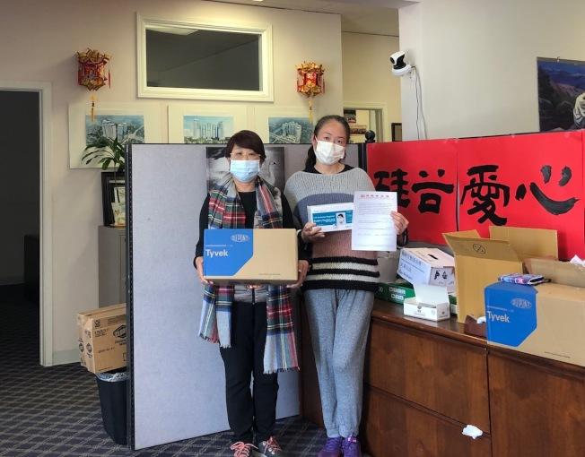 熱心組織捐助口罩與醫療用品,希望保護第一線的醫療人員與學校應急使用。(新冠狀病毒社區救助平台提供)