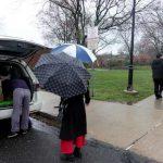 新州東布市華人捐防疫物資
