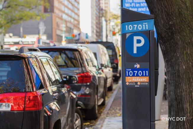 寇頓呼籲市府暫停收取停車咪表。(本報檔案照)