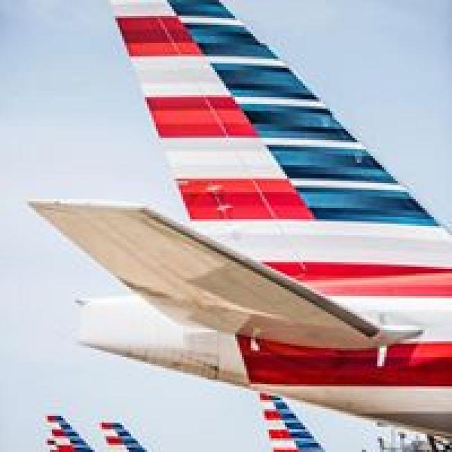 儘管民眾抱怨,政府絕對不會讓重要的航空公司倒閉。( 美航臉書)