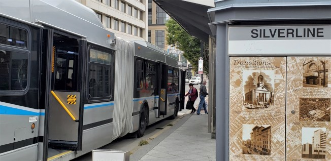 MBTA 25日傳出有三名公車駕駛員新冠肺炎確診。(記者唐嘉麗/攝影)