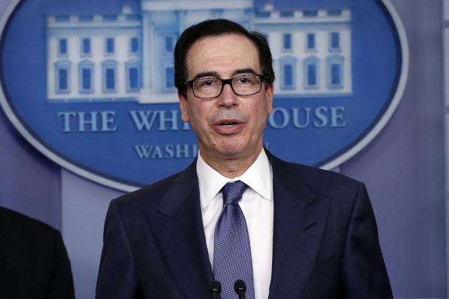 財政部長米努勤25日說,振興方案將能支撐美國經濟三個月。美聯社