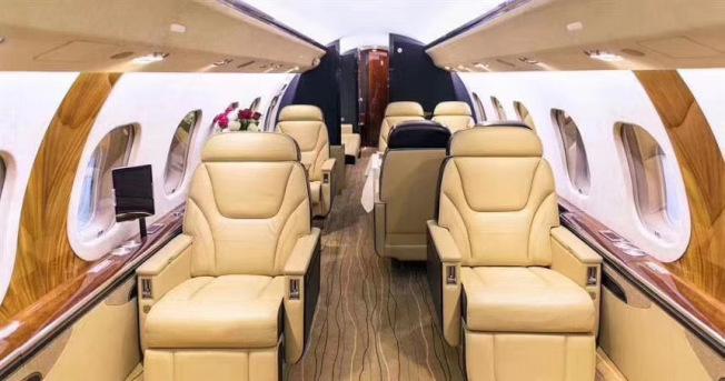 因為民航機頭等艙和商務艙機票一票難求,包機需求應運而生。(旅行社提供)