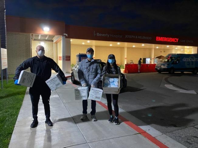 为帮助医院渡过口罩荒。南加华人团体向比佛利医院捐赠口罩(比弗利医院提供)