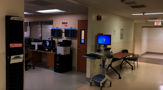 比佛利医院急症室井然有序。(记者陈开/摄影)
